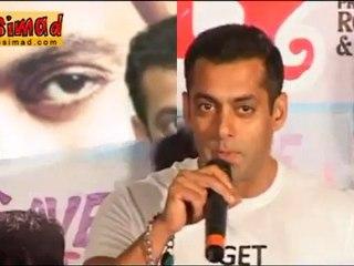 Salman Khan DELAYS his film for Aamir Khan