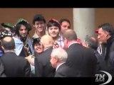 Napolitano arriva a Pisa, accolto dagli applausi - VideoDoc. Prima tappa in piazza Garibaldi, poi all'Università