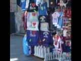 Torre di Pisa Gadget: mutande e magliette che creano polemica