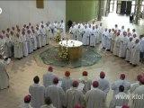 Lourdes, les évêques en prière