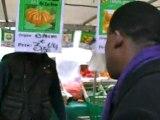 Patrick Lozès à la rencontre des habitants du XVIème arrondissement sur le marché Molitor - mardi 22 novembre