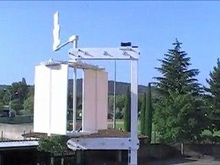 Eolienne  à axe verticale réalisé par les élèves de 3 ème du collège Vallis Aéria (84)