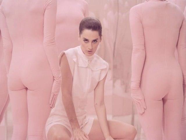YELLE - Comme Un Enfant (official music video)