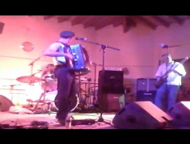 Brett L au Festival Rock 2011 à la Motte d'Aigues (84): L'épouvantail