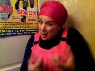 Samia Orosemane a un truc à vous dire !