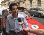 4 roue sous 1 parapluie, balade dans Paris en 2CV avec chauffeur avec BFM