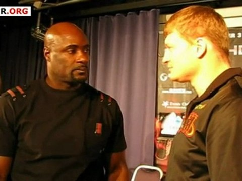 Povetkin - Boswell: Face to face after the final presser in Helsinki