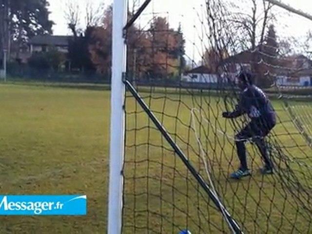 ETG FC : quand Angoula et Leroy jouent les gardiens de but (vidéo)
