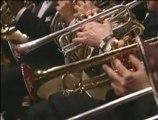 Avraham Fried chante avec l'orchestre philharmonique
