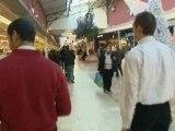 Réactions au centre commercial d'Englos après la fusillade