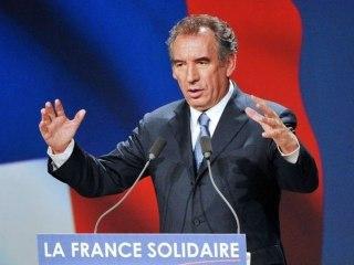 EN DIRECT - Conférence de presse de François Bayrou - 100512