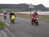 club motos les dragonotes pluzunet  passage a plestin les greves pendant la rando moto noel de l estran 2011