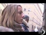 Firenze, per Natale coda da Tiffany: si cerca un regalo speciale. Clienti in fila anche per un'ora, nonostante la crisi