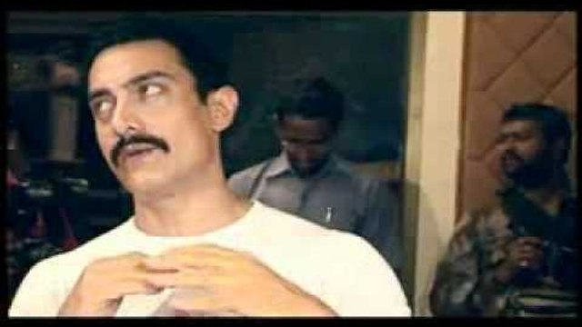 Aamir Khan Celebrates - Lagaan - Decade Run