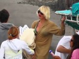 SNTV - Cameron Diaz holidays in Hawaii