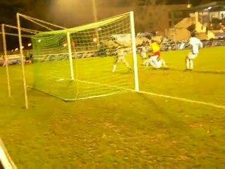 Coupe de France (AS Vitré - Tours) : action dans la surface de Rabah Oumaouche