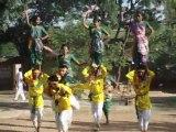 Danse traditionnelle indienne dans le village de Shilpgram