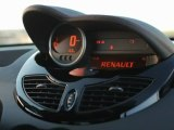 New Renault Twingo interior shots dashboard