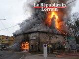 Incendie spectaculaire dans une menuiserie à Château-Salins