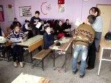 DİŞLİ ATATÜRK İ.Ö.OKULU'NDA KARNE SEVİNCİ 2012/1