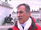 Un agriculteur-marcheur porte ses doléances à Paris