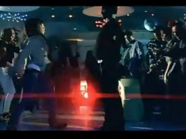 Justin Bieber singing 'Shakal Pe Mat Ja'