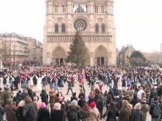 """Flashmob """"Brother & Sister Act, missionnaires de l'espérance"""" avec 600 jeunes religieux(ses)"""