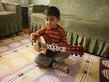 4 yaşında gitar çalan çocuk enes talha çatal, enes talha çatal