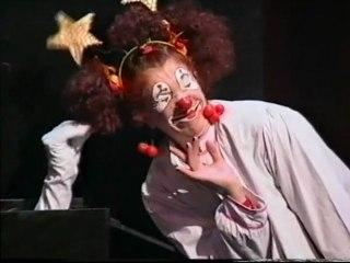 KATASTROPHES Miss Loulou - spectacle tous publics (missloulou.com)