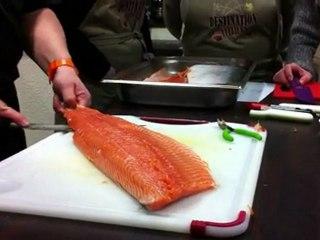 Comment enlever la peau d'un filet de saumon