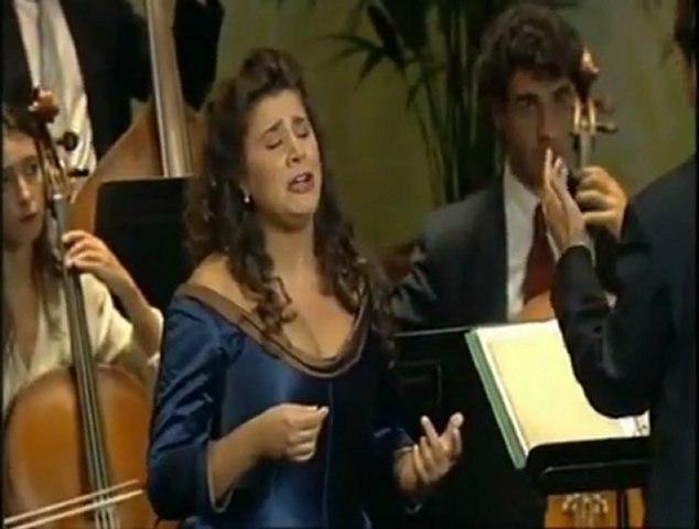 Vivaldi - Il Farnace Aria - Gelido in ogni vena