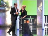 Meryl Streep loses shoe picking up her BAFTA!