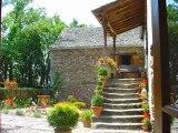 PN2070 Annonce immobilière Cordes sur Ciel. Entre Cordes sur Ciel et Najac, ancienne bergerie  restaurée  de 352  m² de SH,7 chambres,  6ha de terrain. Gîte indépendant.