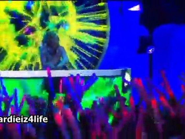 Deadmu5, David Guetta, Chris Brown, Lil Wayne, Foo Fighters @54th Grammys