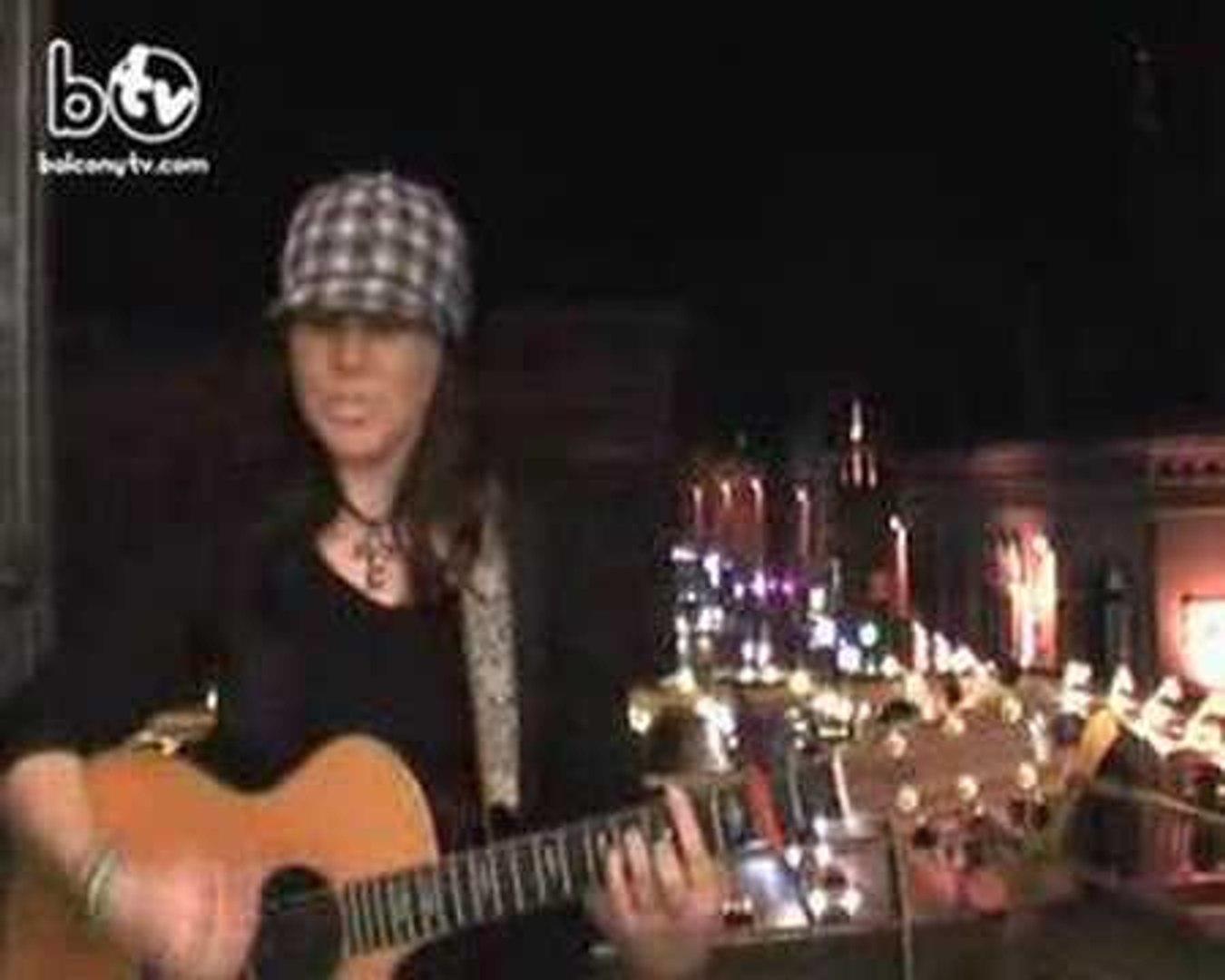 SIOBHAN O BRIEN (BalconyTV)