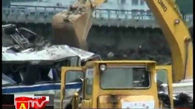 Người dân Trung Quốc yêu cầu giải thích về vụ tai nạn tàu cao tốc