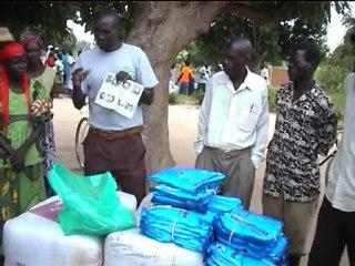 Uganda, West Nile: Bednet distribution