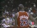 Eurosport / Michael Jordan vs Dominique Wilkins - NBA 1988 Slam Dunk Contest - Foul line