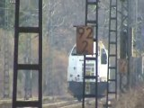 Zwei MaK Diesellokomotiven ohne Zug Richtung Koblenz bei Bonn Beuel Süd