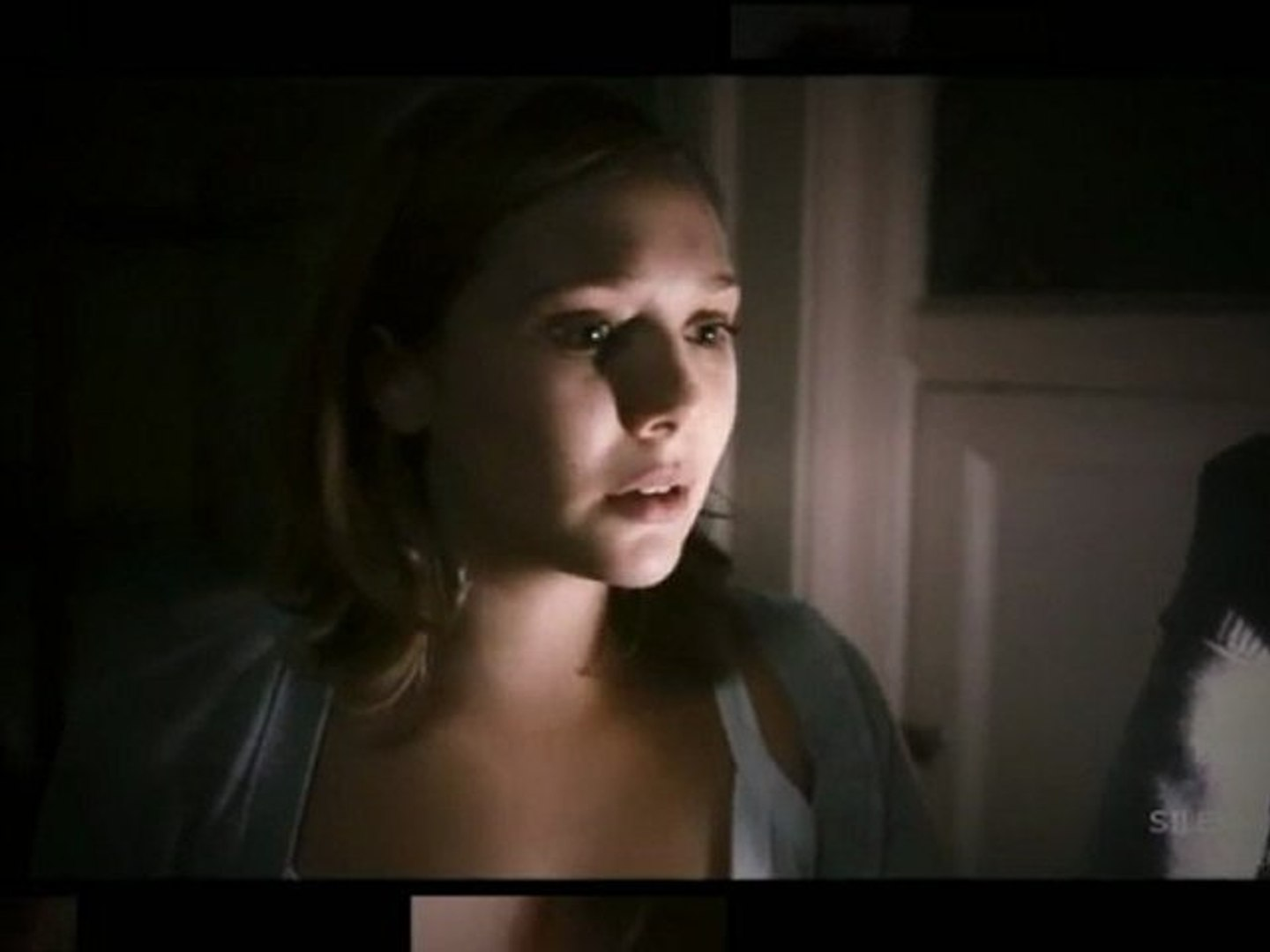 Silent-House Movie Review - movie full movie