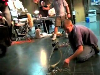 Facehugger Test - Behind-the-scenes Facehugger Test (Anglais)
