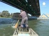 Un pescador serbio rescata a los suicidas