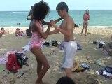 Stage salsa juillet 2012 carnaval meme a la plage nos ados qui sont venus appredre la salsa avec Dansacuba s entraine avec leur partenaire cubaine .c est la nouveauté cette annee dansacuba ouvre ses stages au ados