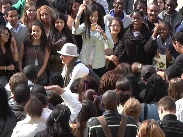 Happy UPEC : Danse improvisée sur le Campus Centre