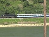 Züge bei Kestert am Rhein, MRCE 182, 152, ERS 189, 155, Crossrail 185, Railion 185, 101, 2x 428