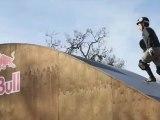 Un skater de 12 ans réalise trois tours complets de 360 degrés