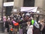 Paris :  des mal-logés manifestent devant la Mairie du 10éme