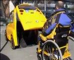 Tekerlekli sandalye ile binilen engelli taksisi
