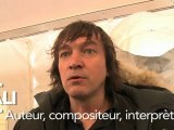 Cali, auteur, compositeur, interprète, soutient François Hollande