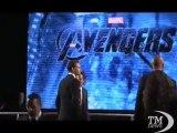 """Roma, Johansson tarda: fotografi contro """"The Avengers"""" - VideoDoc. Fotocamere girate contro Scarlett Johansson e colleghi"""